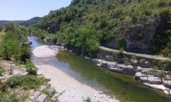 Campingplatz in der Ardeche mit direktem Zugang zum Fluss