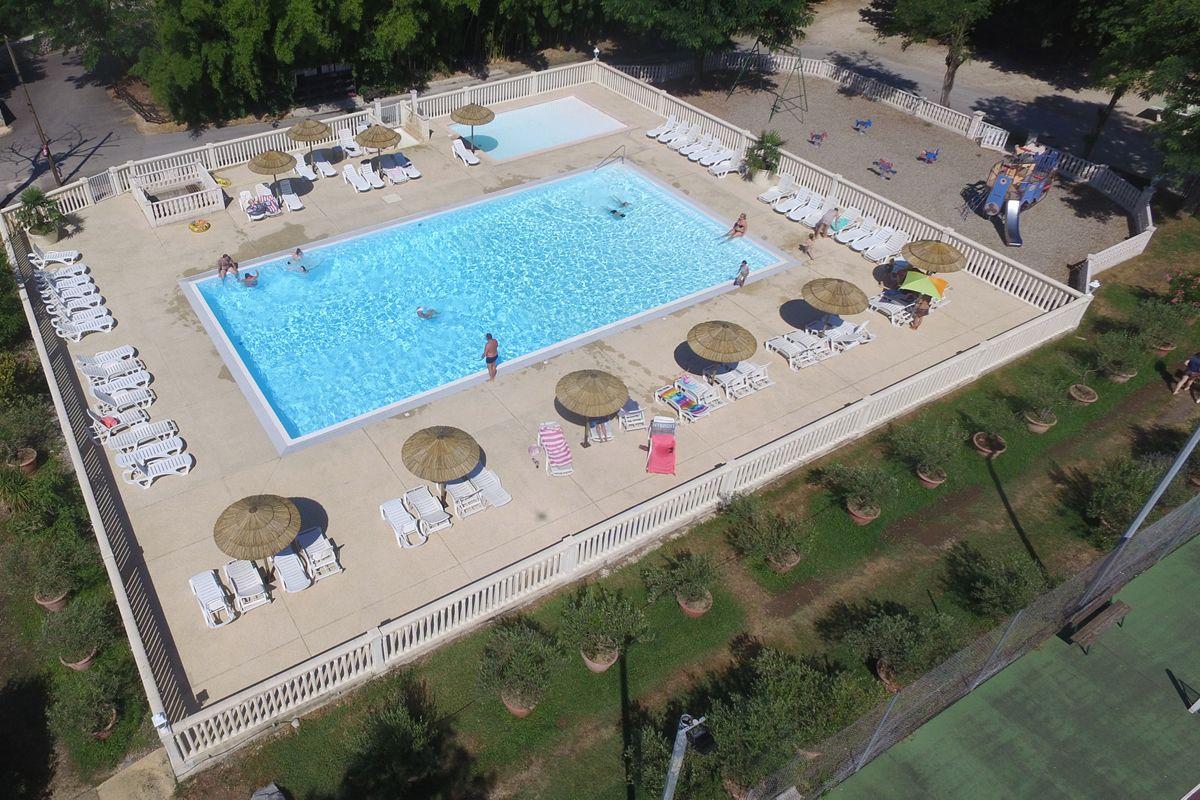 Zwembad en peuterbad